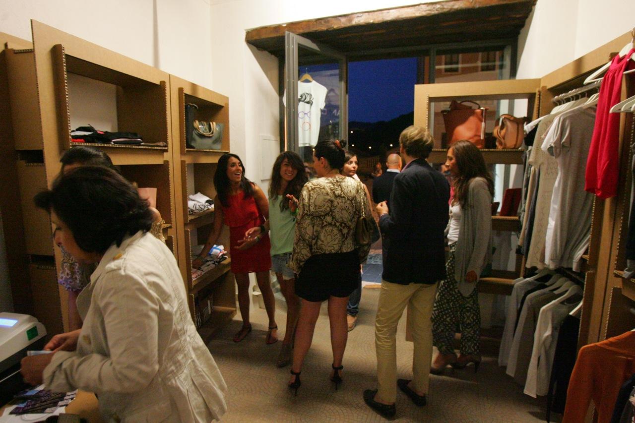 inaugurazione in temporary shop