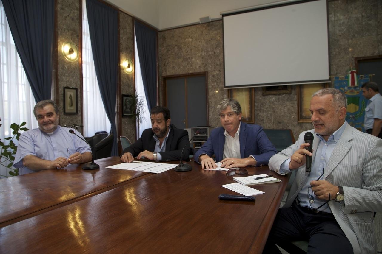 firma convenzione comune fondazione calabria etica
