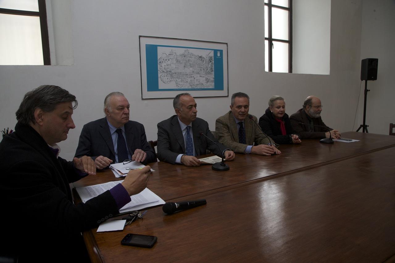 conferenza stampa sul baricentro