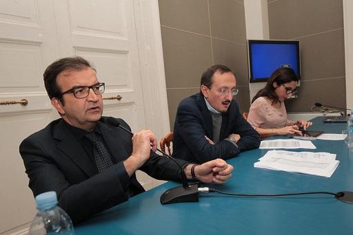Conferenza stampa Occhiuto Vigna contributi Welfar