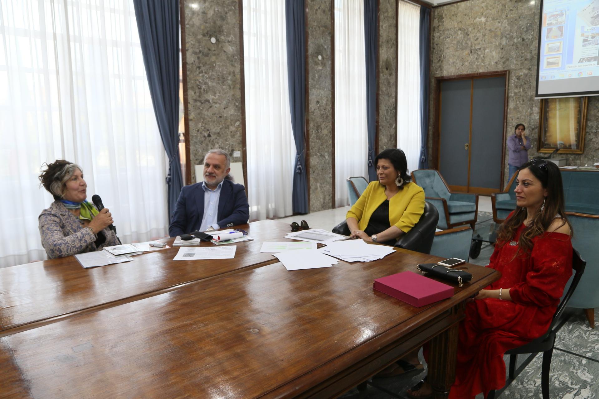 conferenza stampa sull\'archivio storico dei serviz