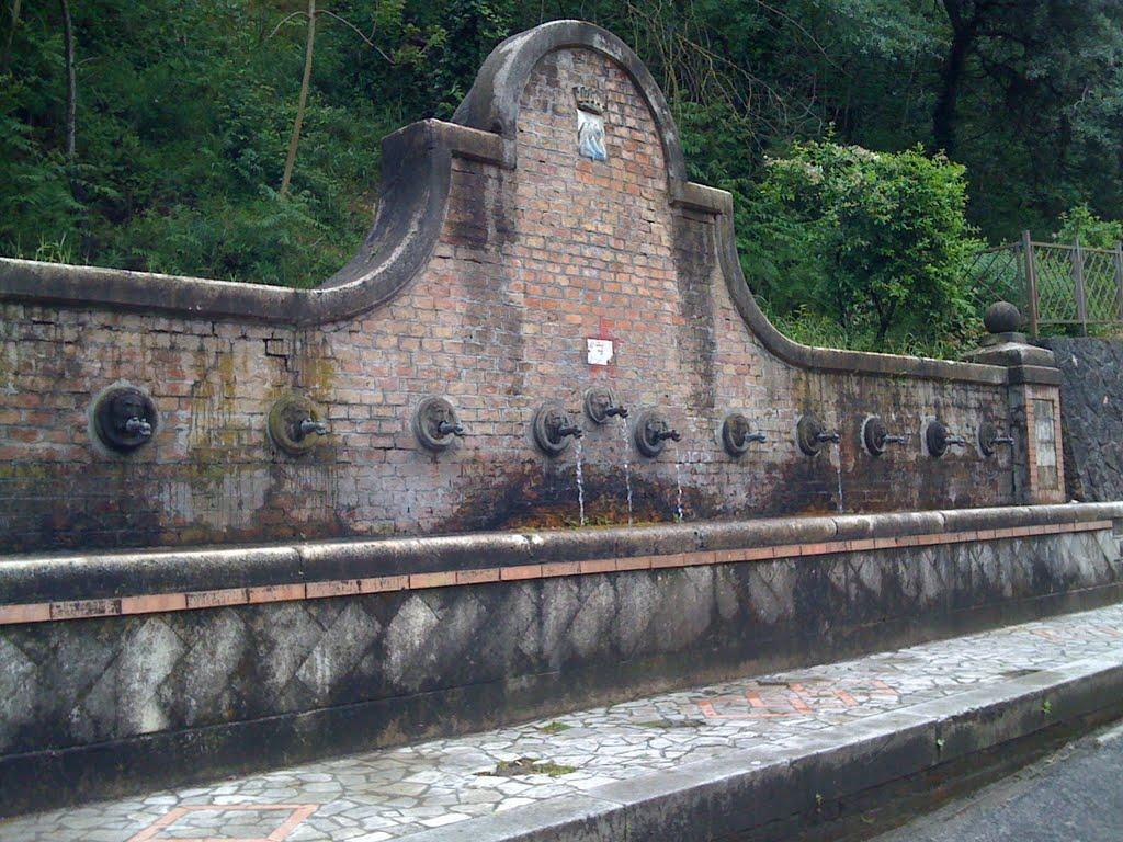 la fontana dei tredici canali