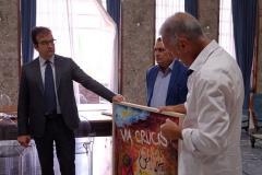 Salvador Gaudenti dona quadro alla Città di Cosenz