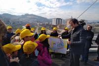 Occhiuto con gli alunni sul ponte di Calatrava