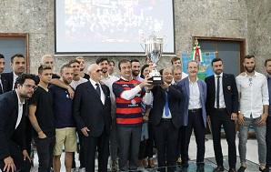 Cosenza Calcio della Promozione in serie B ricevut