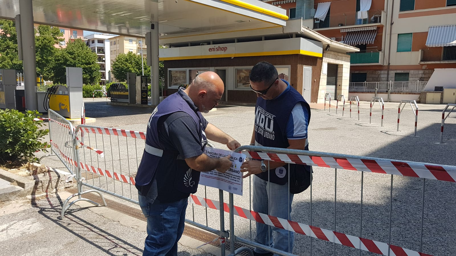 Sequestro impianto carburante Eni via Caloprese