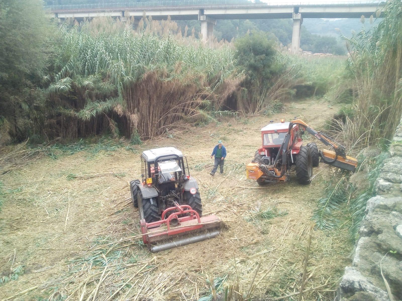 le operazioni di bonifica del fiume Busento