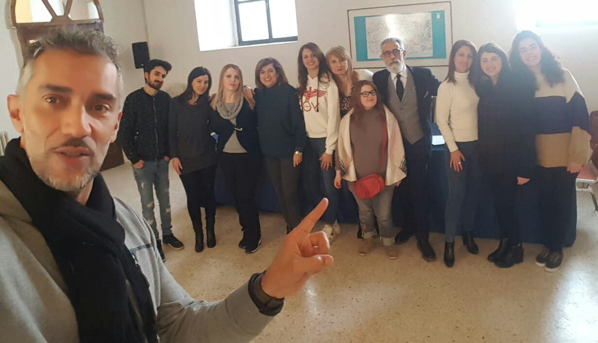 il regista Sebastiano Rizzo con i partecipanti al